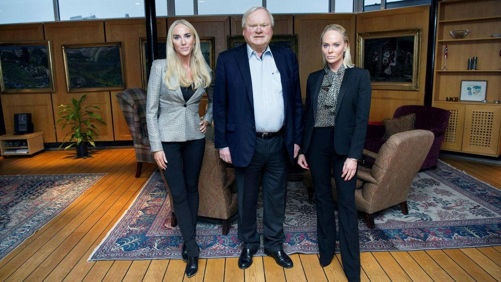 john fredriksen and his daughters.JPG