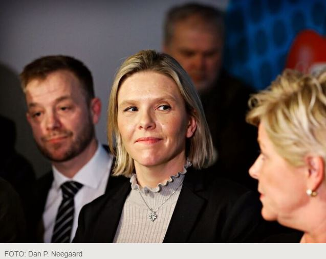 sylvi listhaug should leave.JPG